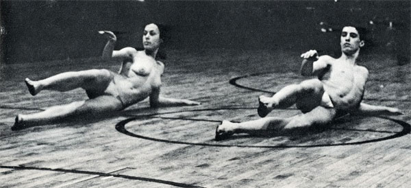 Yvonne Rainer y Steve Paxton. Word Words. Judson Church. Nueva York, 29 de enero de 1963