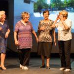Fotos-Les nostres veïnes/veïns a l'escenari de l'Antic Teatre!-Ritme en el temps