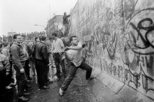 noticia-se-cumplen-25-anos-de-la-caida-del-muro-de-berlin-01