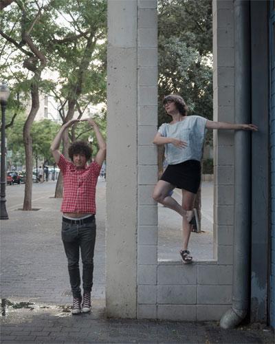 Dos usuarios de Teatron presentes en la reunión con los representantes del Ayuntamiento de Barcelona.