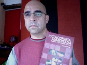 el libro y si orgulloso autor... ;)
