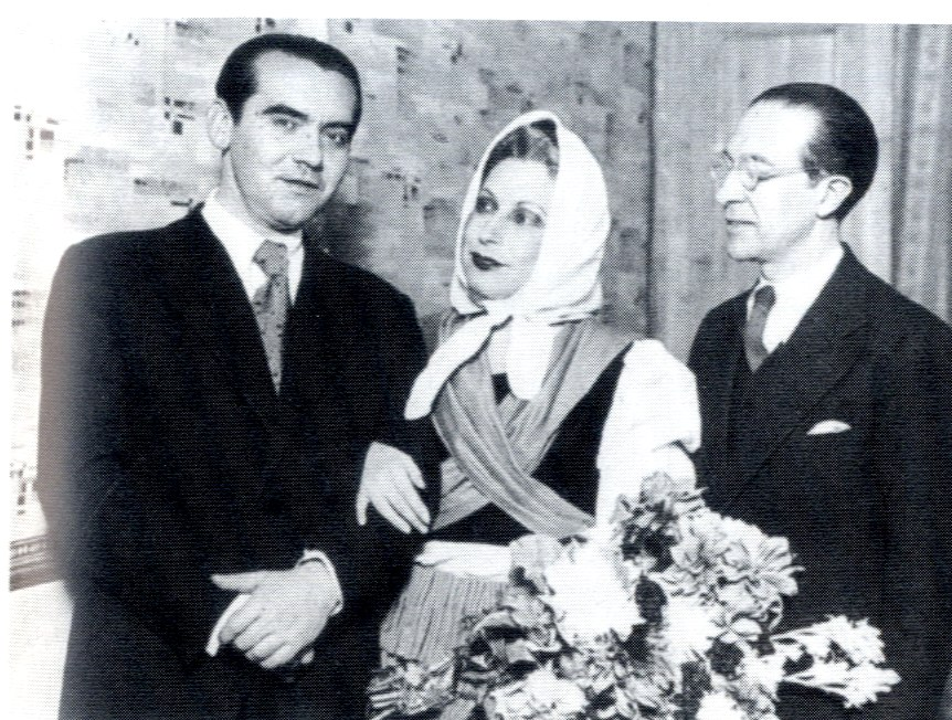 Lorca with Margarita Xirgu and Cipriano Rivas Cherif - Barcelona - 1935
